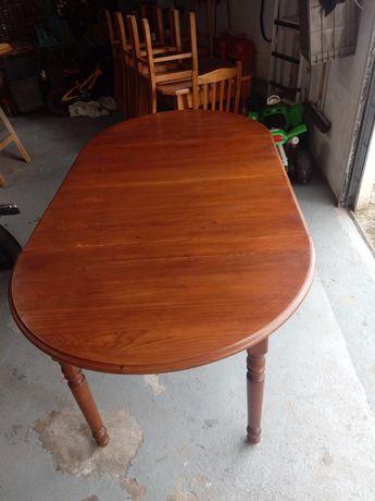 Mesa extensível de madeira
