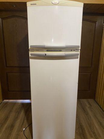 Продам холодильник Whirpool no frost, в отличном состоянии