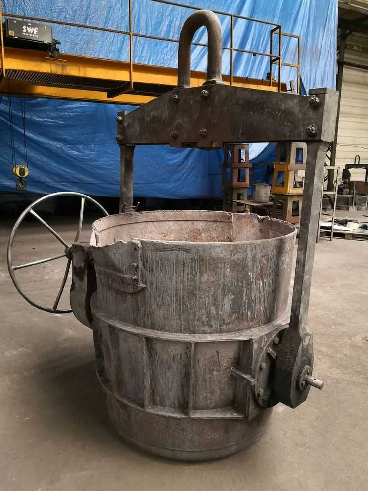 Kadź odlewnicza lejnicza do żeliwa pojemność 5 ton