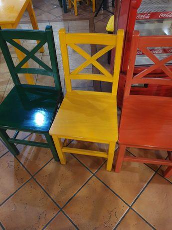 Mesas  e cadeiras  para  venda