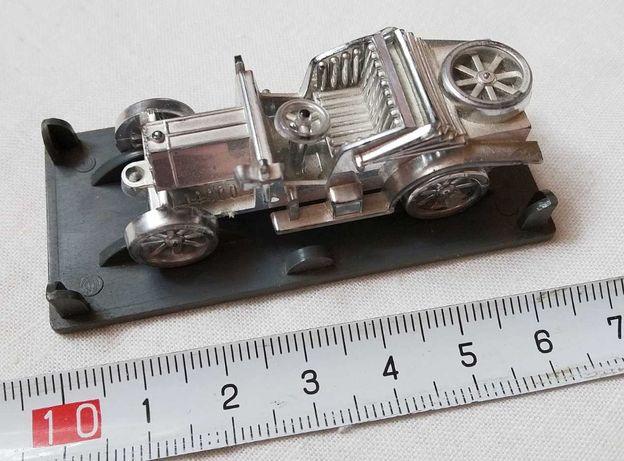 Модель ретро автомобиля (машинка) серебристая на подставке, СССР
