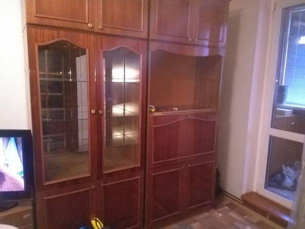 Продам хорошую мебель в хорошем состоянии СРОЧНО! Торг!