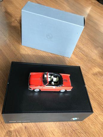 BMW 700 Cabrio 1961 Vermelho (miniatura de colecção MINICHAMPS, 1:43)