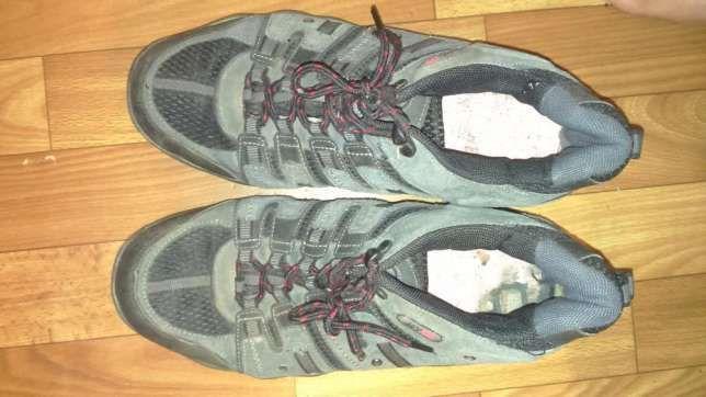 Ботинки (кроссовки)