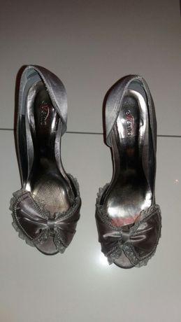 Srebrne sandaly buty na szpilce 38