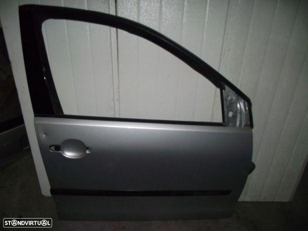 PEÇAS AUTO - VÁRIOS - Volkswagen Polo - Porta da Frente Direita - PTL84