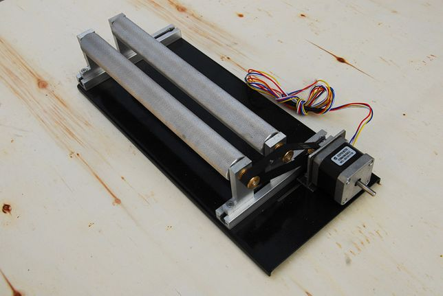 Вращающий механизм для лазерного станка. Для объемной гравировки.