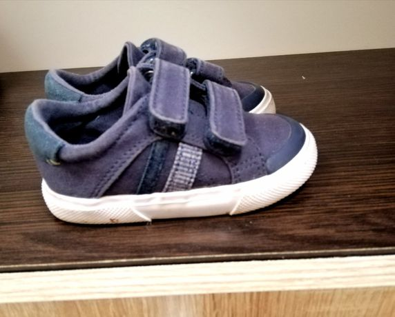 Дитяче взуття Next 21.5 розмір 300 грн