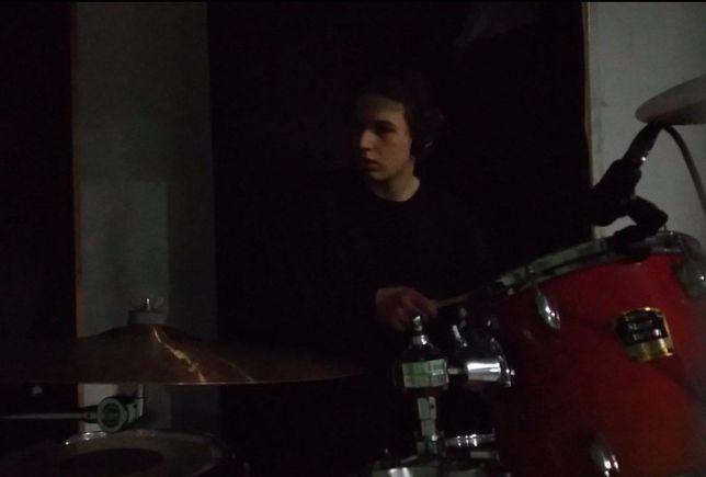 Барабанщик ищет кавер-бенд, группу, коммерческий проект