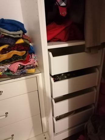 Closet IKEA, com 3 módulos