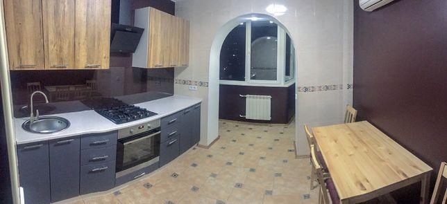 Аренда 4-ой квартиры ул. Драгоманова 20, 90м2, метро Осокорки
