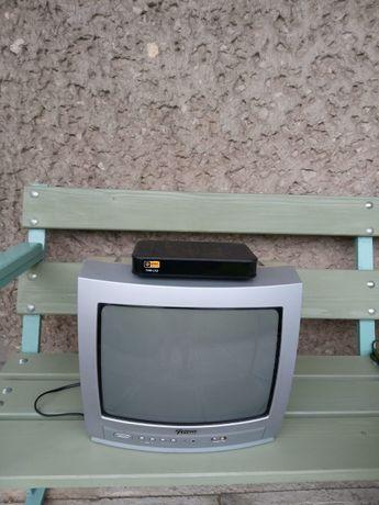 telewizor Funai 14D-0810 i dekoder T-HD 210