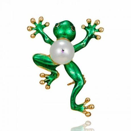 Милая изумрудная зеленая брошь брошка лягушка лягушечка с жемчужиной