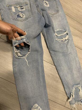 Очень крутые стильные необычные джинсы-бойфренды. Состояние отличное