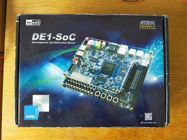 Відлагоджувальна плата DE1-SoC(Altera Cyclone V FPGA+HPS)