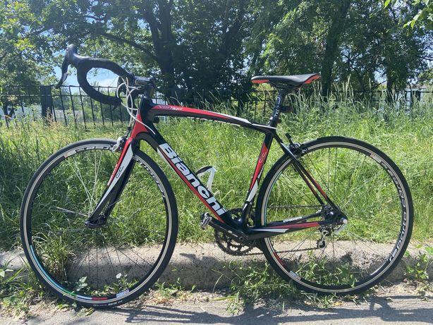 Карбоновый шоссейный велосипед Bianchi 54