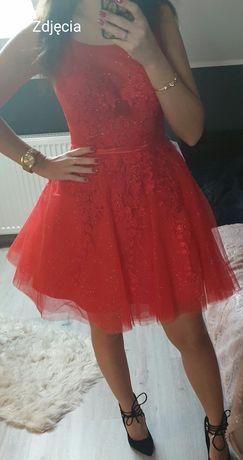Sukienka rozkloszowana XS czerwona