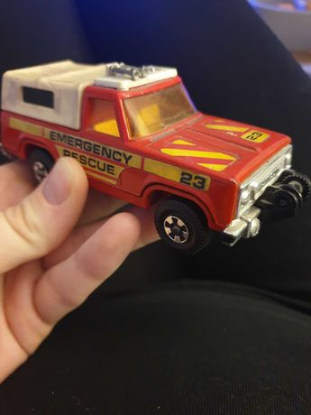 Matchbox Super Kings Plymouth Trail Duster