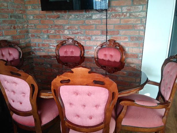 Stół z krzesłami - antyk