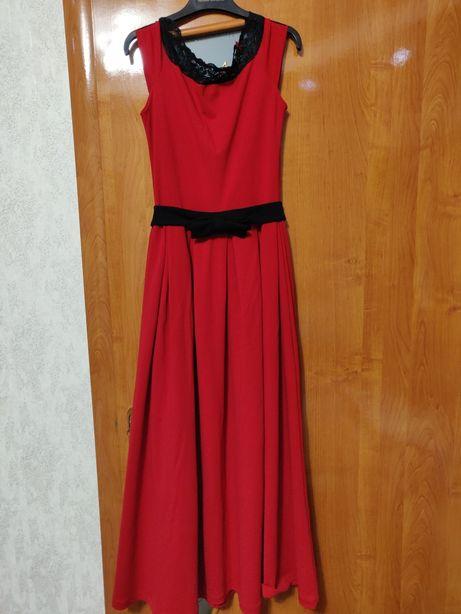 Продам червону сукню