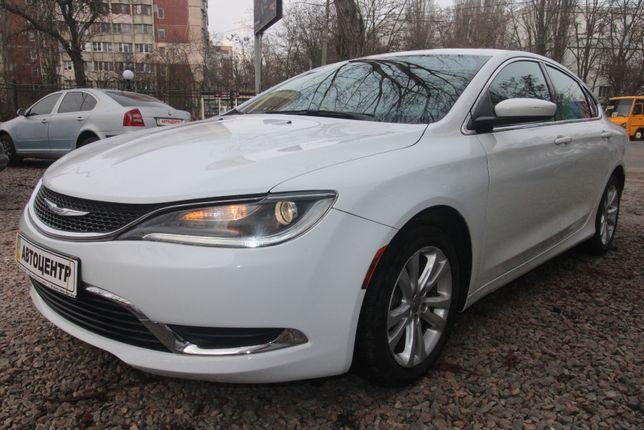 Продам автомобиль Chrysler 200 2015 бензин автомат обмен