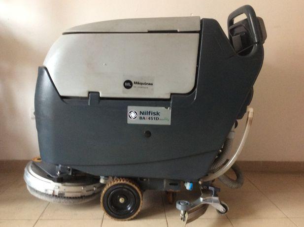 lavadora aspiradora nilfisk BA451