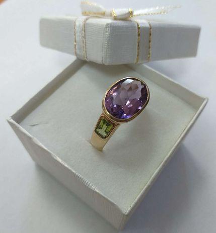 Złoty pierścionek z ametystem i oliwinami
