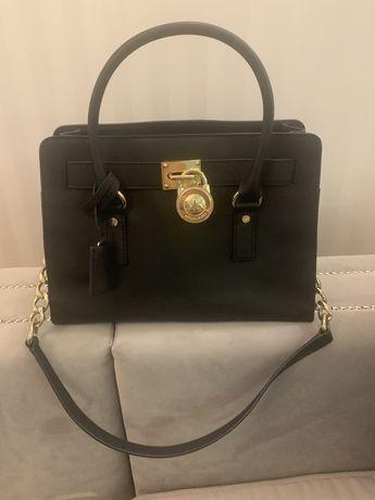 Czarna torebka torba Michael Kors Hamilton