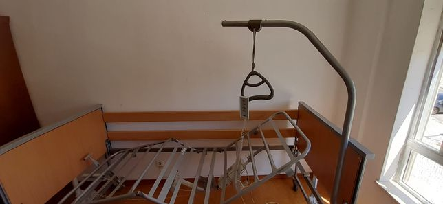 Cama articulada eletrica de hospital