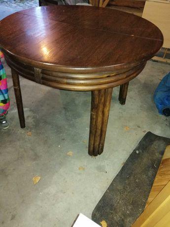 Stylowy stół dębowy