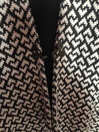 casaco de senhora com padrao, cor preto e branco, tamanho xl