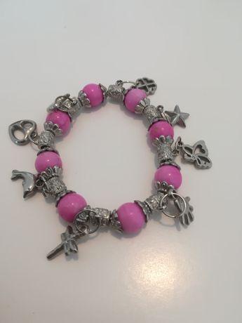 Pulseira rosa com pendentes (nova)