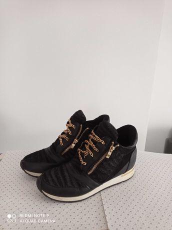 Buty sportowe czarne, rozmiar 39