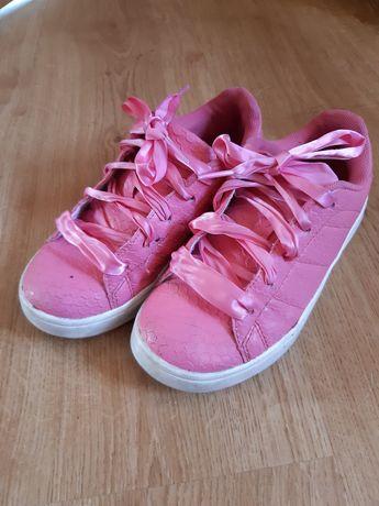 Różowe adidasy