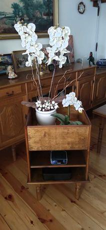 Stolik pod kwiaty i sprzęt RTV