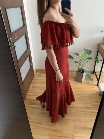 Boohoo Paprika długa suknia elegancka z odkrytymi ramionami hiszpanka