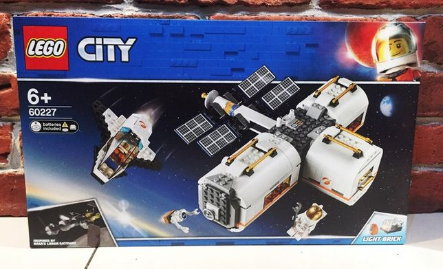 LEGO 60227 City Stacja kosmiczna na Księżycu