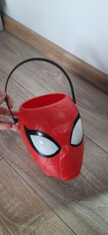 Wiaderko na haloween na cukierki ,zabawka H&M spiderman