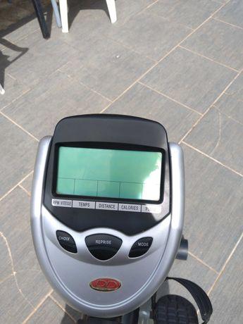 Bicicleta manutenção com rpm