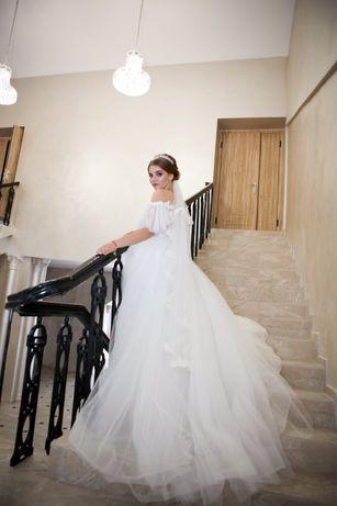 Продам свадебное платье , больше фото в лс