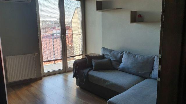 Stare Podgórze / ostatnie piętro / 2a oddzielne pokoje / winda/ balkon