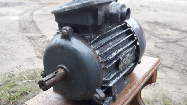 Электродвигатель асинхронный 0.75 кВт, 3000 об.мин.