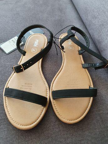 Nowe sandały rozmiar 38