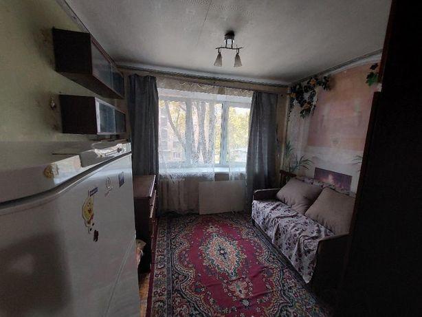 Продаж кімнати в гуртожитку на Супруна.