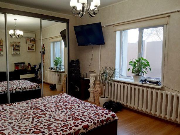 Добротный дом с мебелью и техникой на ул. Луцкой