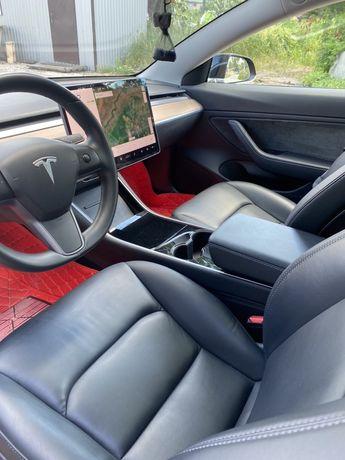 Продам Tesla model 3