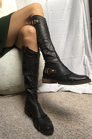 Кожаные сапоги коричневые Laura Bellariva