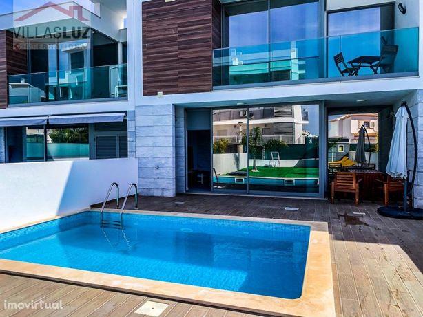 Moradia V3 em condomínio com piscina privativa em Albufeira
