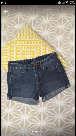 Стильные джинсовые шорты на девочку подростка от H&M