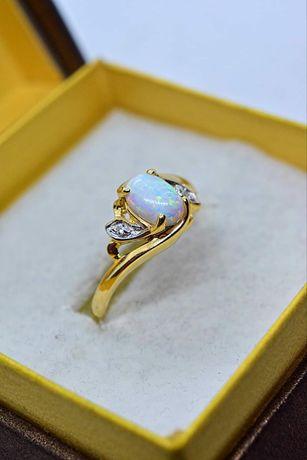 Piękny złoty pierścionek z Opalem i Cyrkoniami HQ